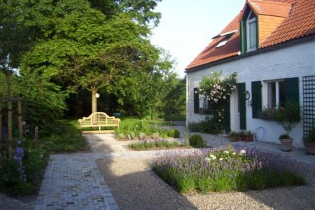 Jardin privé - Cour à Beloeil.jpg